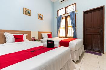 RedDoorz @ Pengayoman Panakkukang 3 Makassar - RedDoorz Twin Room KETUPAT