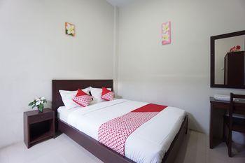 OYO 1236 Elite Residence Manado - Standard Double Room Regular Plan