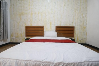 RedDoorz Plus @ Megamendung Puncak Bogor Puncak - RedDoorz Room Basic Deal