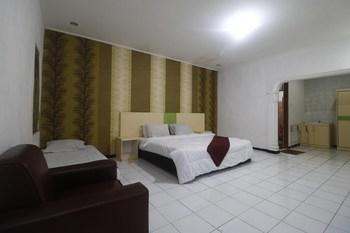 RedDoorz Plus @ Megamendung Puncak Bogor Puncak - RedDoorz Premium Room Basic Deal