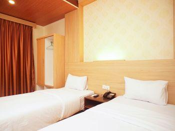 Hotel Winer Palembang - Deluxe Twin Regular Plan
