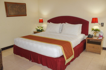 Hotel Merdeka  Kediri - Deluxe Room Only Regular Plan