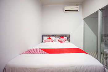 OYO 1545 Bs Residence Manado - Deluxe Double Room Regular Plan