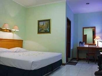 Griya Patria Guest House Jakarta - Standard Single Room Breakfast Included Long Stay Discount