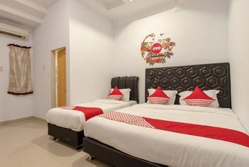 OYO 397 Daily Guest House Deli Serdang - Suite Triple Early Bird
