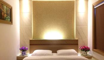 Milia Hotel Tarakan - Superior One Double Non Smoking Regular Plan