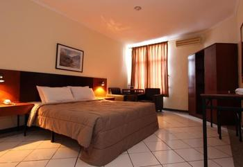 Hotel Augusta Surapati - Deluxe Room With Breakfast Regular Plan