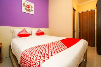 OYO 1169 Kupang Gunung Residence Syariah Surabaya - Standard Double Room Regular Plan