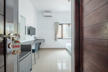 OYO 808 Pondok 24 Cirebon -  Deluxe Double Room Regular Plan
