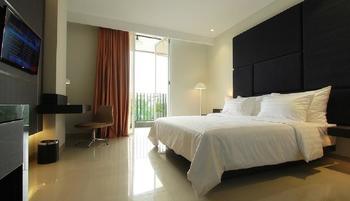 Hotel Grandia Bandung - Deluxe Double dengan pemandangan kolam Regular Plan
