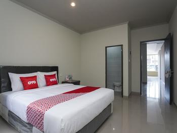 OYO 1848 Tb's Homestay Bali - Deluxe Double Room Regular Plan