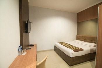 Dinasty Smart Hotel Solo - Superior Room KETUPAT
