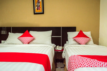 OYO 625 Hotel Golden Gate Batam - Suite Triple Regular Plan