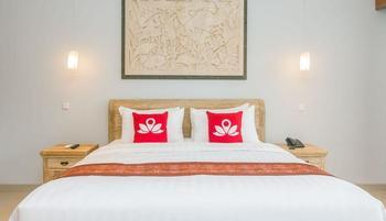 ZenRooms Ubud Jembawan - Double Room Regular Plan