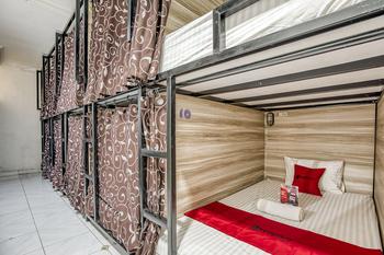 RedDoorz Hostel @ Feliz Noche Cengkareng