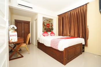 OYO 781 erga family residence Surabaya - Standard Double Room Regular Plan
