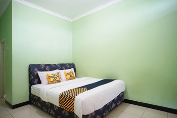 SPOT ON 2729 Marzan Syariah Guest House Balikpapan - Spot On Double Regular Plan