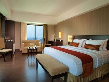 Grand Aston City Hall Medan - Deluxe Room Only Regular Plan