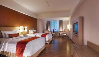 Grand Aston City Hall Medan - Premier Deluxe with Breakfast Regular Plan