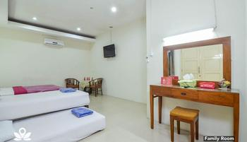 ZEN Rooms Basic GOR Cikutra Bandung - Family Room Regular Plan