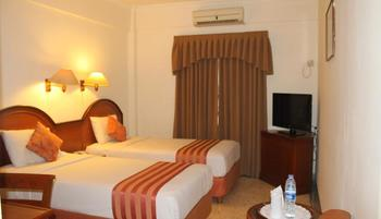 Mega Matra Hotel Jakarta -  Superior Twin Room Only Regular Plan