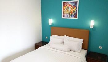 Ratu Homestay Malang Malang - Standard Queen Room Only Regular Plan
