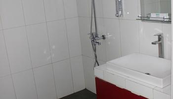 Ratu Homestay Malang Malang - Deluxe PRIVATE WiFi Room Only Regular Plan