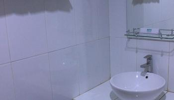 Ratu Homestay Malang Malang - Standard Queen Room Only Regular Plan