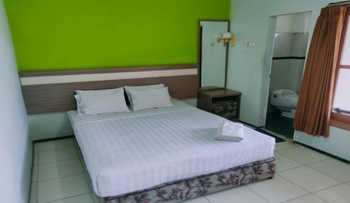 Nirwana Hotel & Convention Malang - deluxe room only Regular Plan