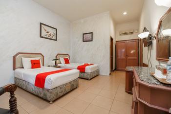 RedDoorz near Transmart Pangkal Pinang Pangkalpinang - RedDoorz Twin Room Basic Deal