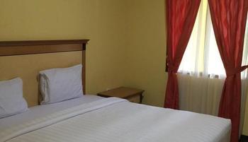 Labuan S'Rizki Hotel Pandeglang - Standard Room Regular Plan