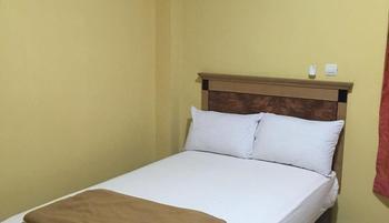 Labuan S'Rizki Hotel Pandeglang - Deluxe Room Regular Plan
