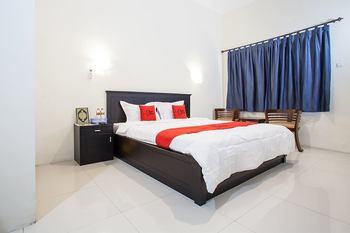 RedDoorz Syariah near Alun Alun Bangil Pasuruan - RedDoorz Premium Basic Deal