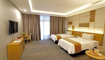 Patra Semarang Hotel & Convention Semarang - Deluxe Balcony Basic Deal 10 %