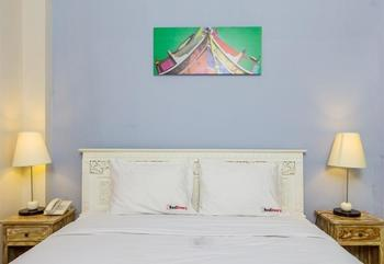 RedDoorz @Gunung Salak Street Bali - RedDoorz Room Regular Plan