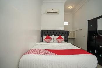 OYO 699 Amelia Kost Palembang -  Standard Double Room Regular Plan