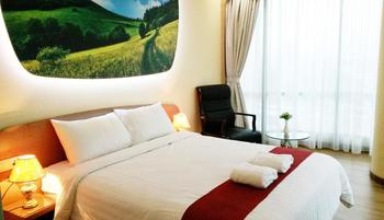 Business Hotel Jakarta - Executive Double Room Only Cheap Deals