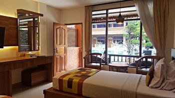 Wina Holiday Villa Kuta - Deluxe Pool Terrace Regular Plan