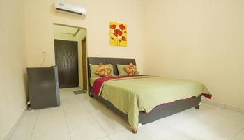 Seminyak Point Guest House Bali - Standard Room with Breakfast Ditiketin 30 %