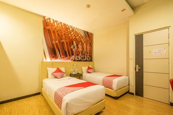Capital O 1570 Hotel Promenade Cihampelas Bandung - Standard Twin Room Regular Plan
