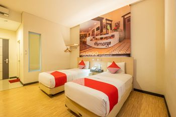 Capital O 1570 Hotel Promenade Cihampelas Bandung - Deluxe Twin Room Regular Plan
