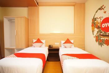 OYO 147 Hotel Winer Palembang - Standard Twin Room Regular Plan