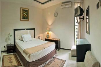 Bumina NieNie Guest House Bandung - Deluxe Room Regular Plan