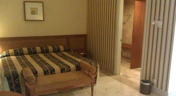 Resor Tuban Tropis Tuban - Superior Suite Regular Plan