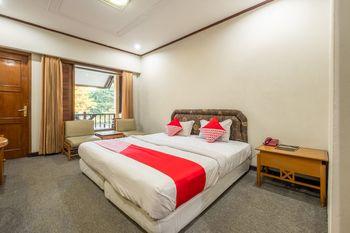 Capital O 1256 Sangga Buana Resort & Convention Hotel Cianjur - Deluxe Double Room Regular Plan