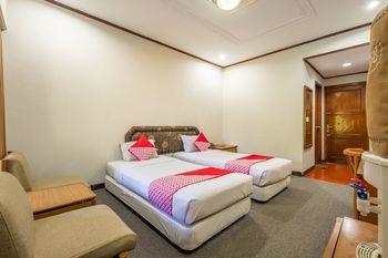 Capital O 1256 Sangga Buana Resort & Convention Hotel Cianjur - Deluxe Twin Room Regular Plan