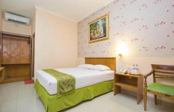 Malioboro Inn Solo Solo - Deluxe - Room Only Regular Plan