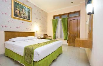 Malioboro Inn Solo Solo - Deluxe - with Breakfast Regular Plan