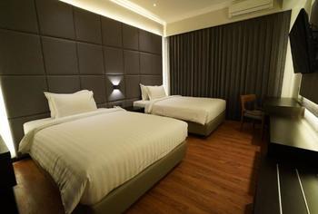 De Lobby Suite Hotel Batu - Deluxe Twin Room Only Regular Plan