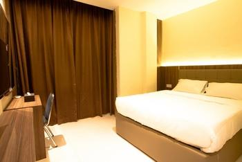 AK Hotel Nagoya Hill Batam - Superior Queen Room  Regular Plan